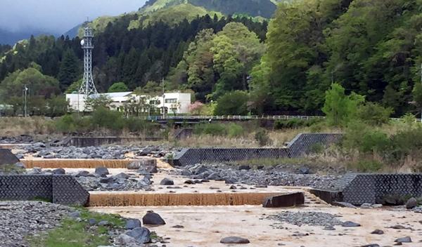 大雨後の大谷川